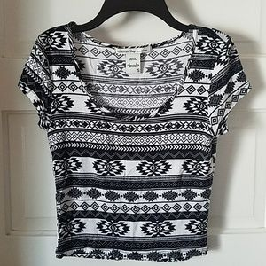 American Rag Black/White Aztek Crop Top Small